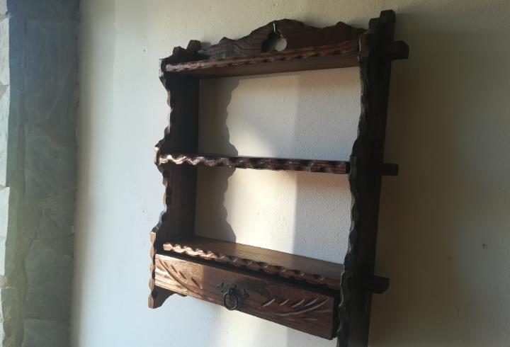 Especiero de madera rustico