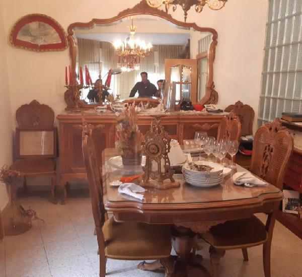 Mesa de comedor antigua + 6 sillas medidas mesa: 160 x 110