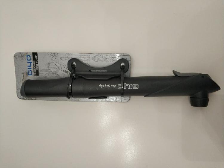 Mini bomba giyo