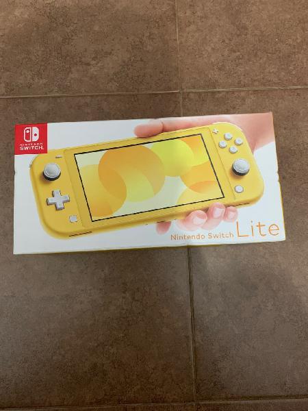 Nintendo switch lite nueva a estrenar