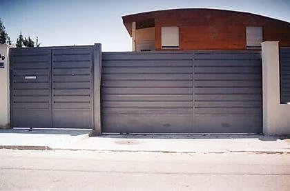Puertas corredras y vallas de lamas