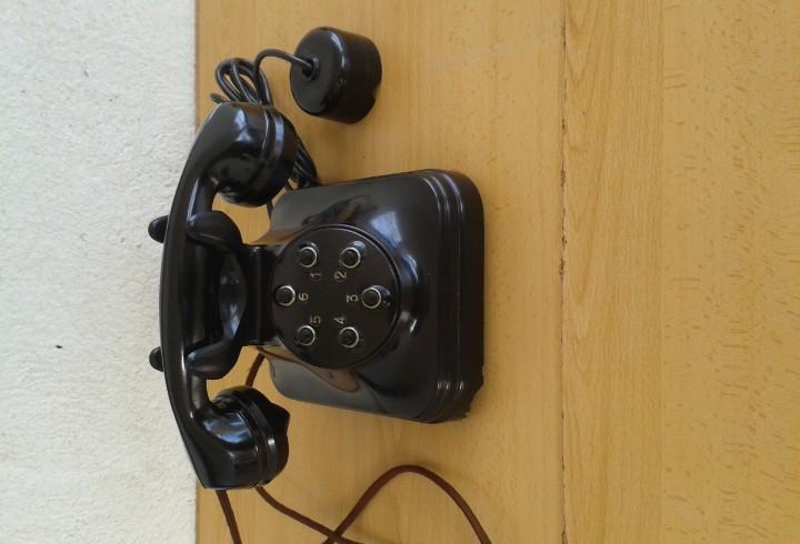 Teléfono antiguo baquelita tipo centralita