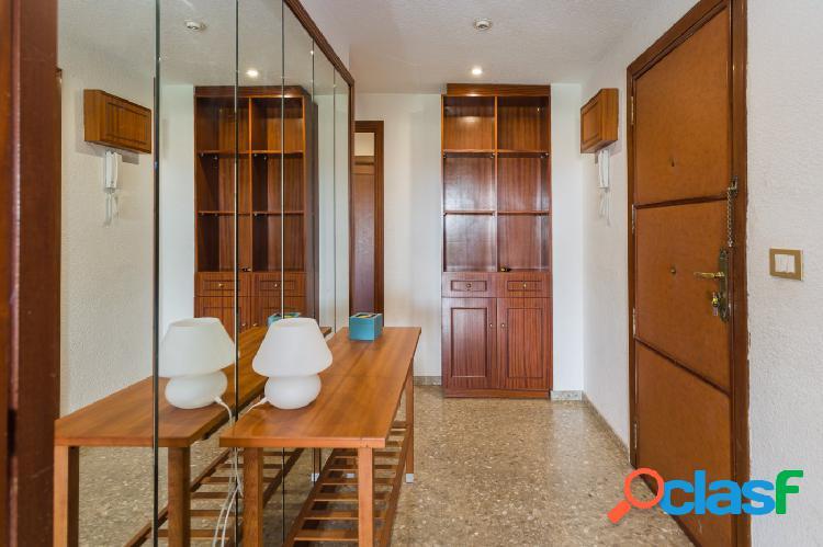 Magnífico apartamento en LOS CÁRMENES 3