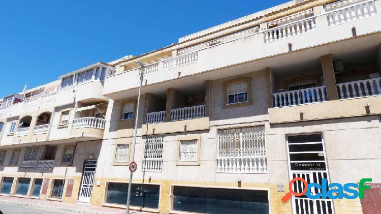 Apartamento, 2 dormitorios, piscina comunitaria, a 900 metros de la playa