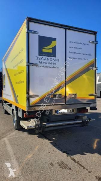 Camión mercedes furgón atego 818 l 4x2 euro 3 rampa