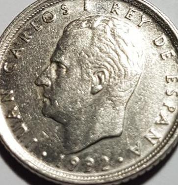 Una moneda de 10 peseta año 1992