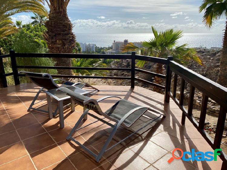 Hermoso y espacioso apartamento con gran terraza y vistas al mar en alquiler en san agustin