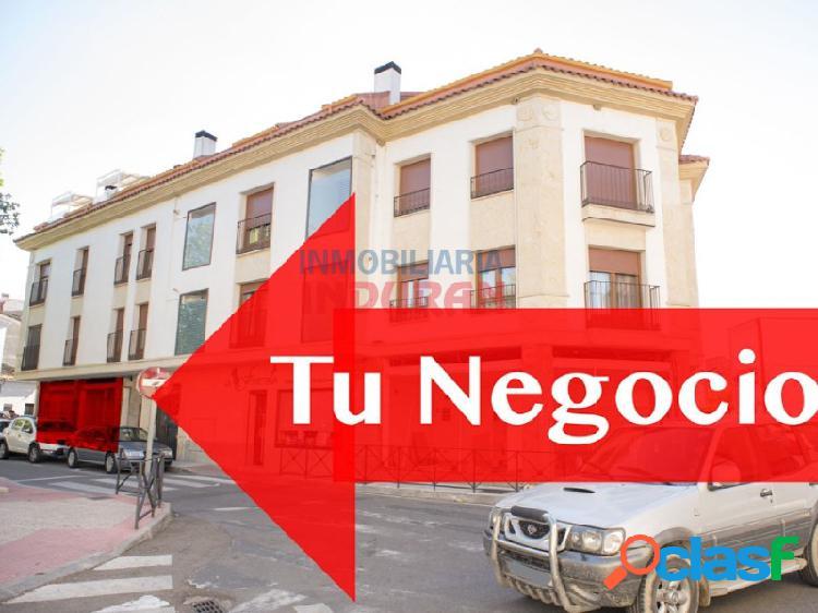 Local comercial de 45 m2 situado en zona centro junto a la plaza 'de los colorines' (navalmoral de la mata)