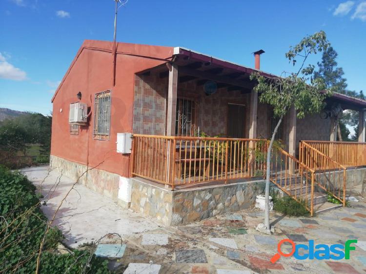 Finca rústica con casa de campo de madera 90 m² sobre parcela de 3118 m²