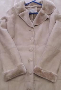 Abrigo tipo piel vuelta