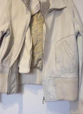Abrigo de mujer blanco de cuero, talla 46