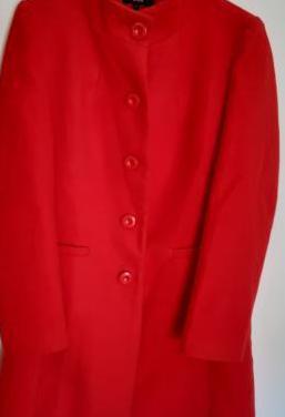 Abrigo de paño rojo festa