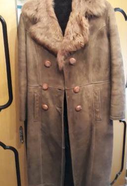 Abrigo vintage de piel vuelta