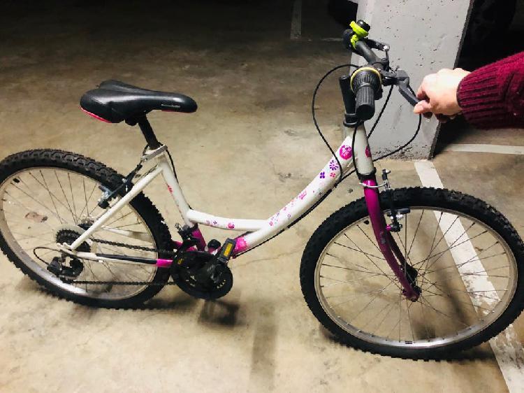 Bicicleta niña usada 2 veces