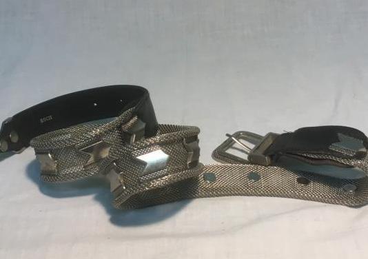 Cinturón metallico con piel genuina