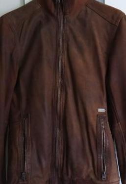 Chaqueta de piel pull bear