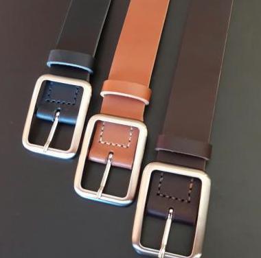 Cinturón de cuero hecho a mano