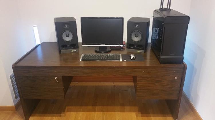Mesa despacho - buen precio...!!!