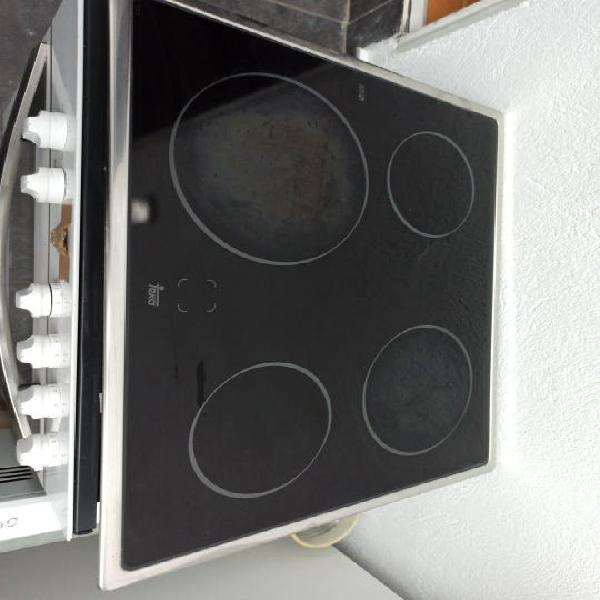 Pack horno y vitro teka, campana cata y fregadero