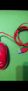 Ratón rojo de cable con conexión usb