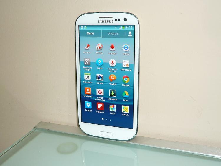 Samsung galaxy s3 i9300 de 16gb.