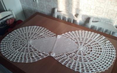 Tapetede mesa de 1,25 mts. de largo por 30 cms. de ancho en