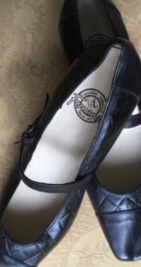 Zapatos tacon nuevos piel talla 38
