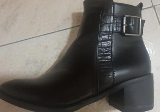 Zapatos botines corina