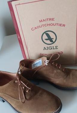 Zapatos cordones de piel. marca aigle