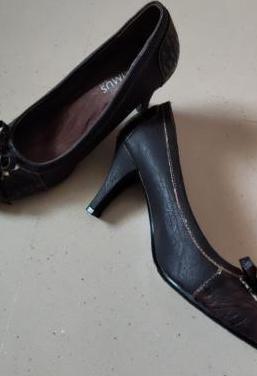 Zapatos núm 40 marrones