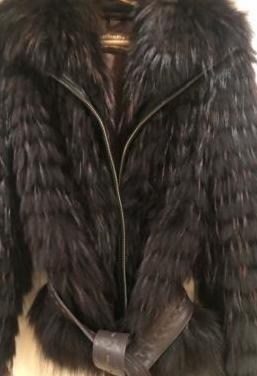 Cazadora de piel de tejón y nutria