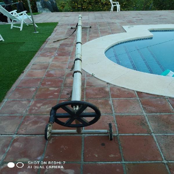 Enrollador de cubierta de piscina