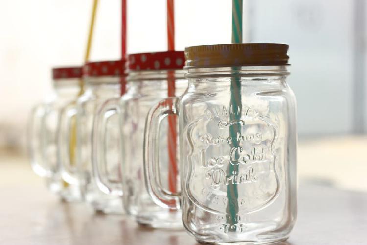 Jarras/vasos de cristal con pajita