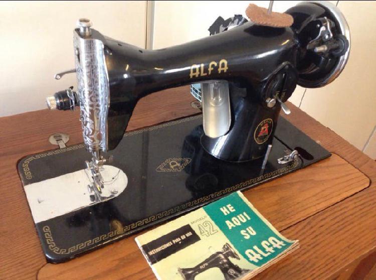 Máquina de coser alfa mod.42