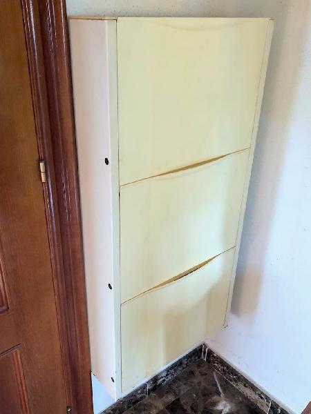 Mueble zapatero de 3 puertas
