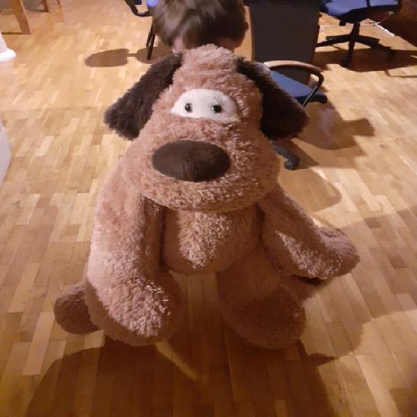 Perro peluche muy grande