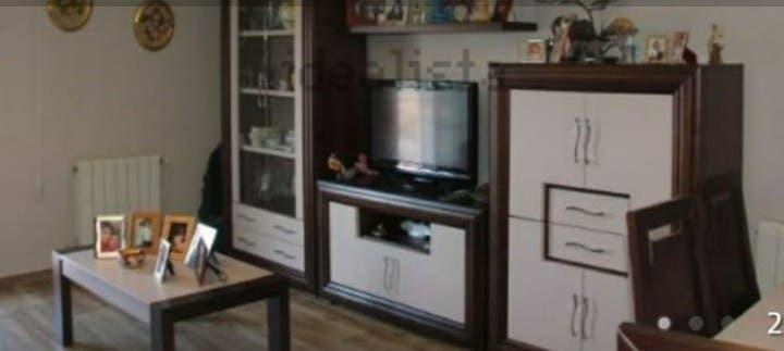 Mueble de comedor+mesa y 6sillas