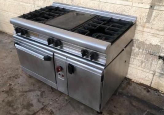 Cocina industrial 6 fuegos y plancha con horno