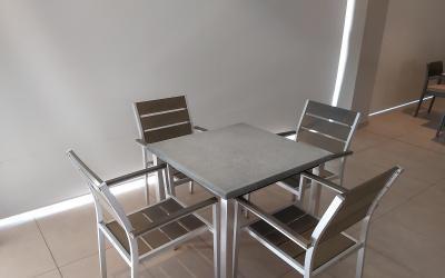 Conjunto mesa + 4 sillas