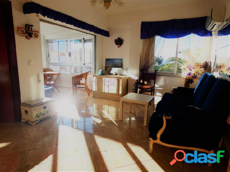 ¡fantástico soleado apartamento en primera linea del mar!
