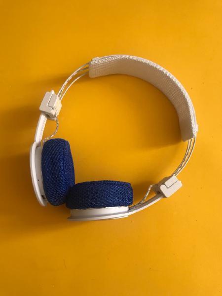 Auriculares nuevos inalámbricos.