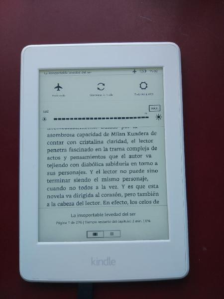 Kindle paperwhite con funda de cuero