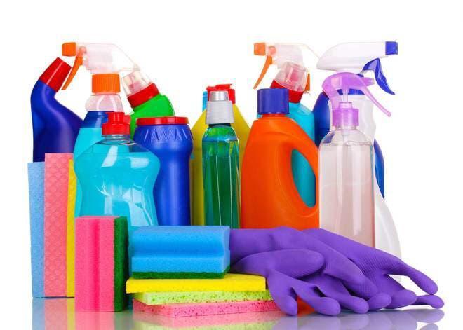Mujer limpieza o tareas domésticas