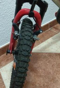 "Bici niño 16"" decathlon monster truck"