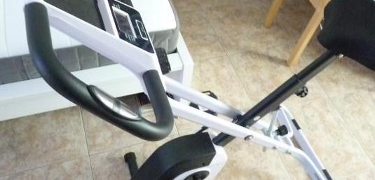 Bicicleta estática nueva.