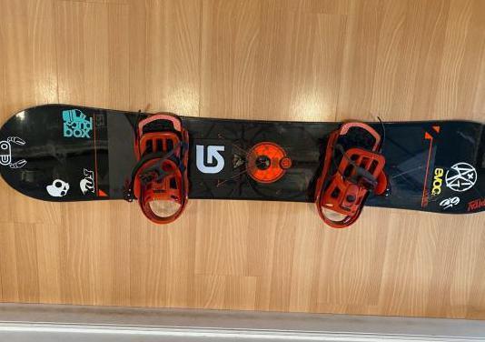 Tabla snowboard fijaciones salomon