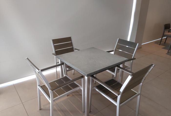 Vendo conjunto mesa + 4 sillas