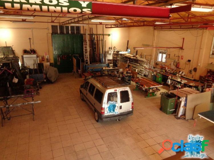 Se vende o alquila nave industrial poligono capellanias