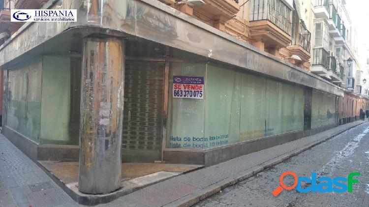 Local comercial en c/san jose, 75 m2, excelente fachada totalmente acristalada