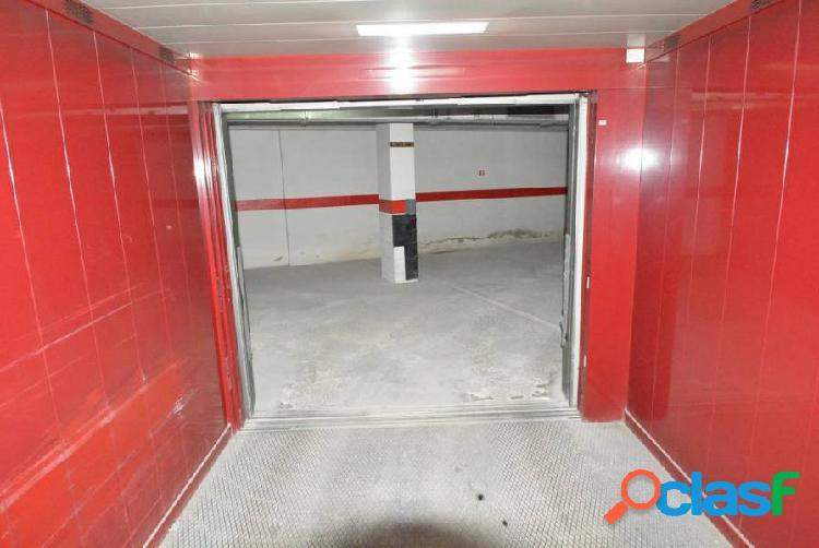 Alquiler plaza de garaje ideal para motocicletas.